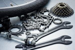 fotobehang-fiets-repareren-metal